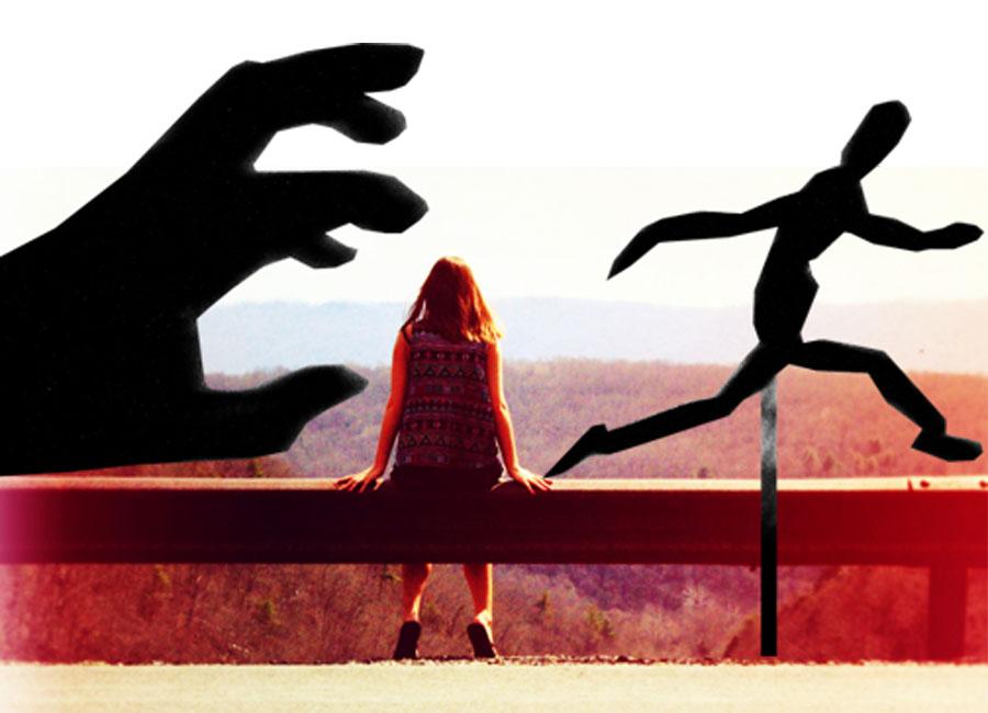 girl-hand-chasing
